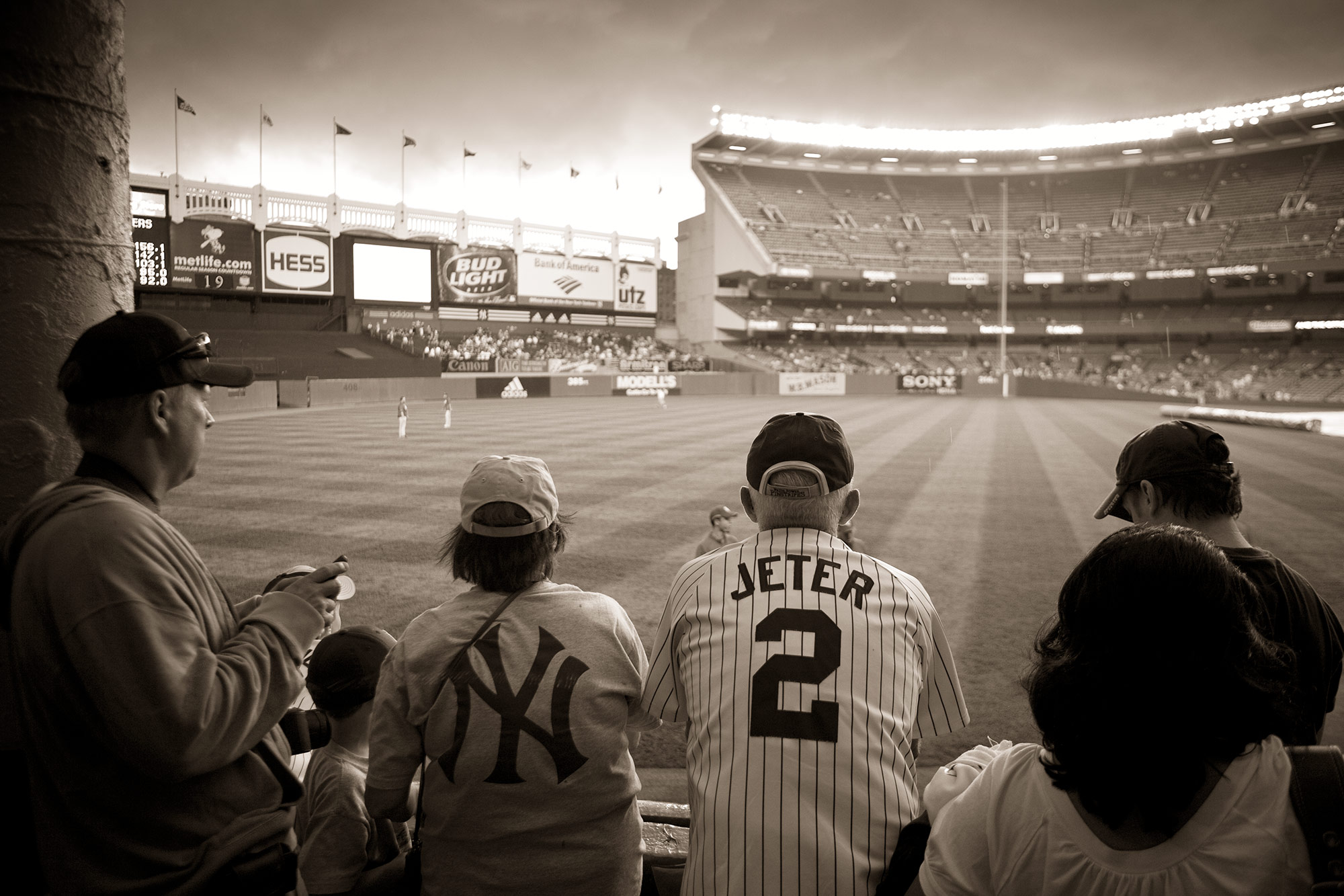 004_YankeeStadium_MG_6877bw_web_B