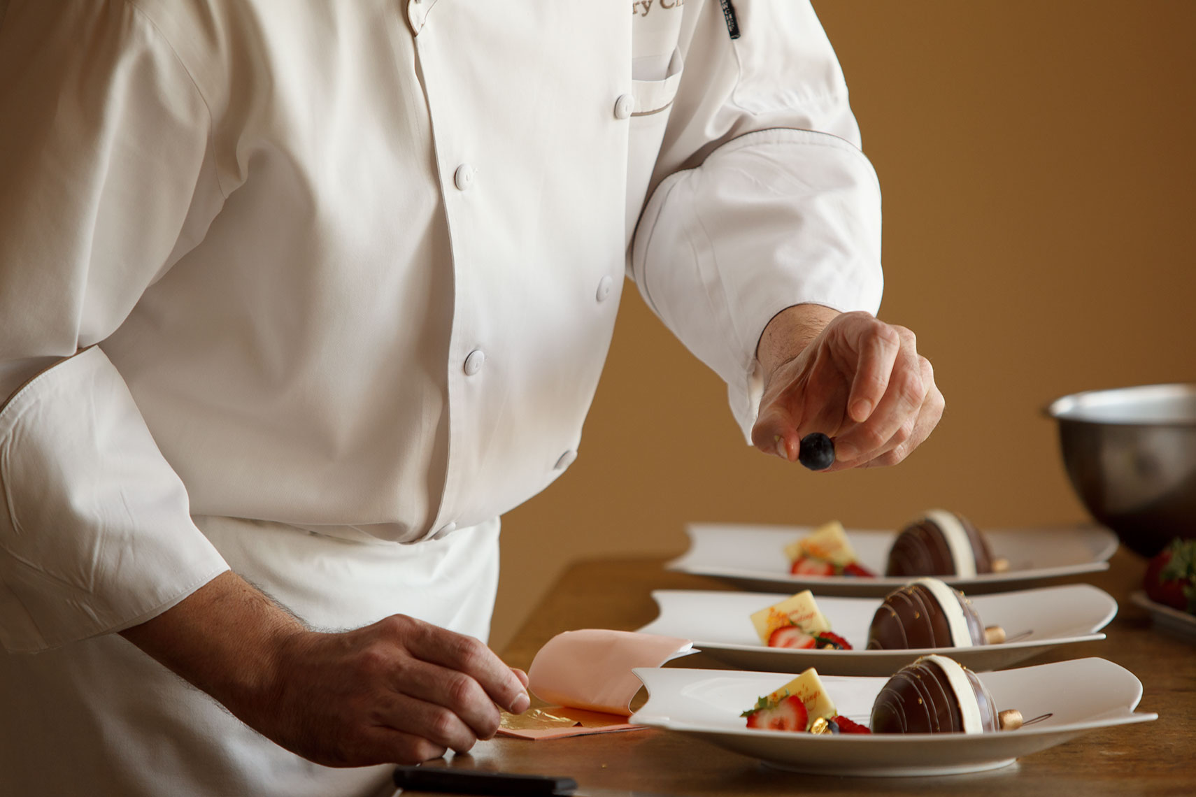 Pastry_Chef_Finishing_Touches
