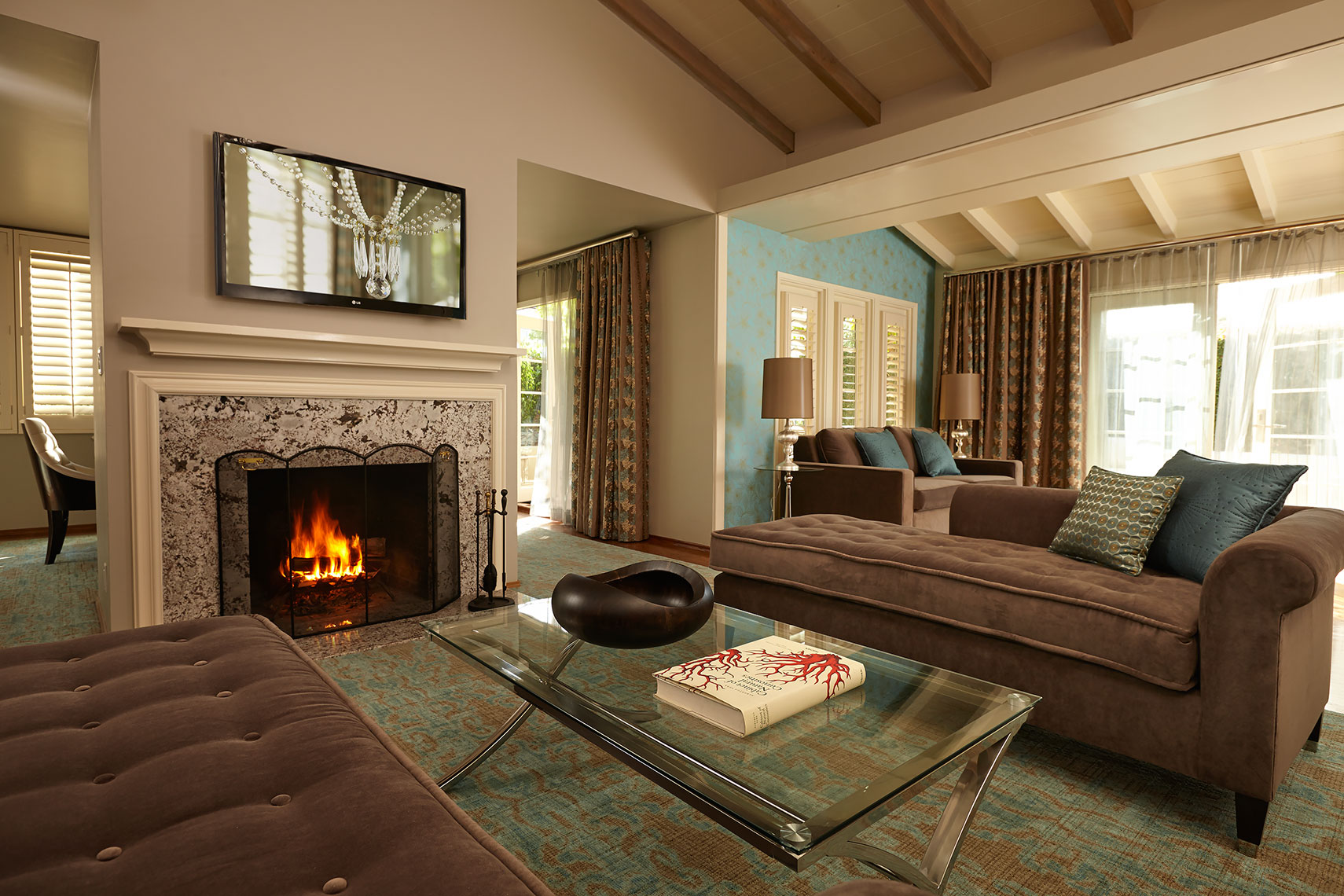 The_Inn_suite_Living_Room