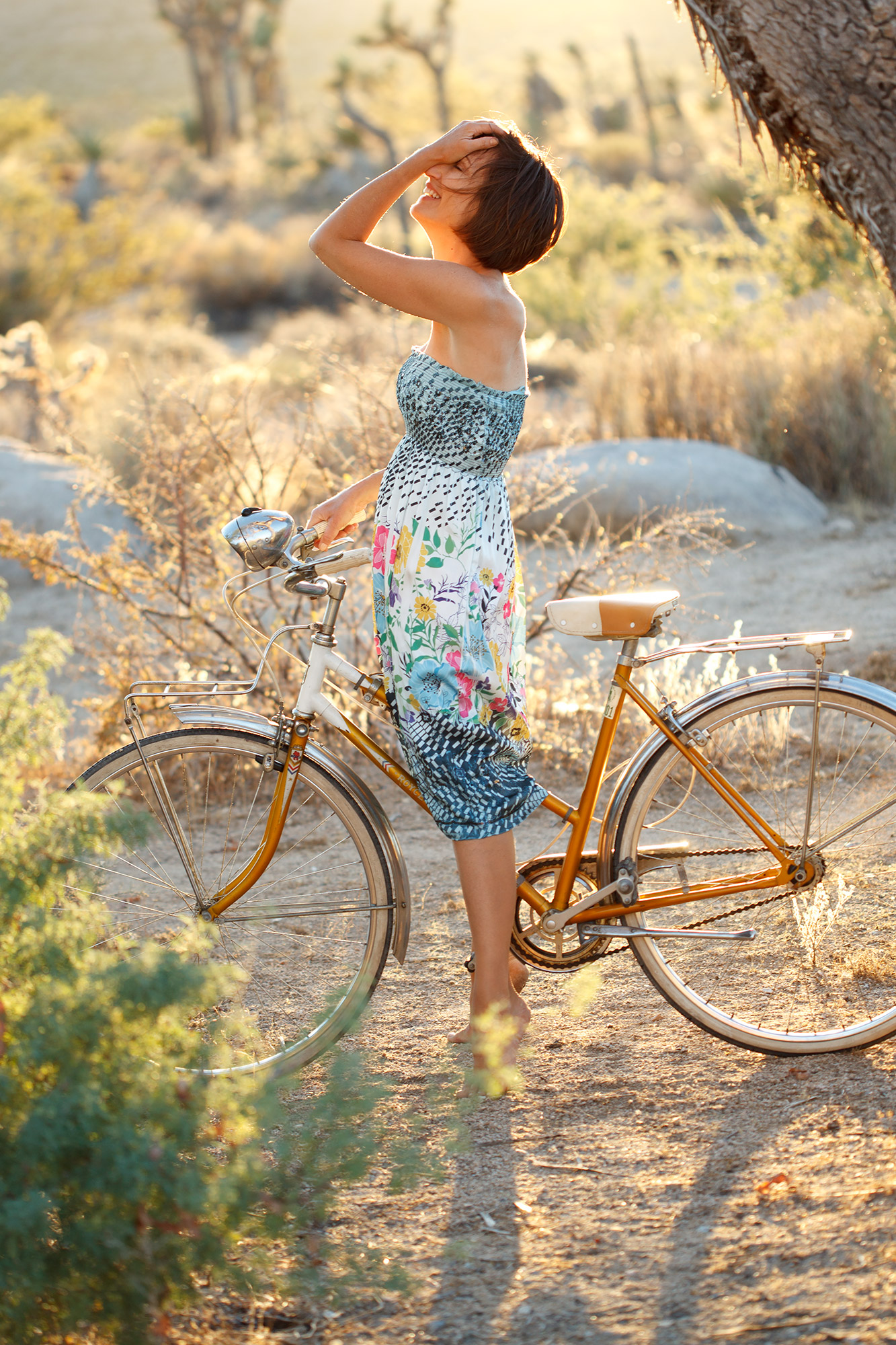 Lifestyle-024-desert-sunlight-woman-bike
