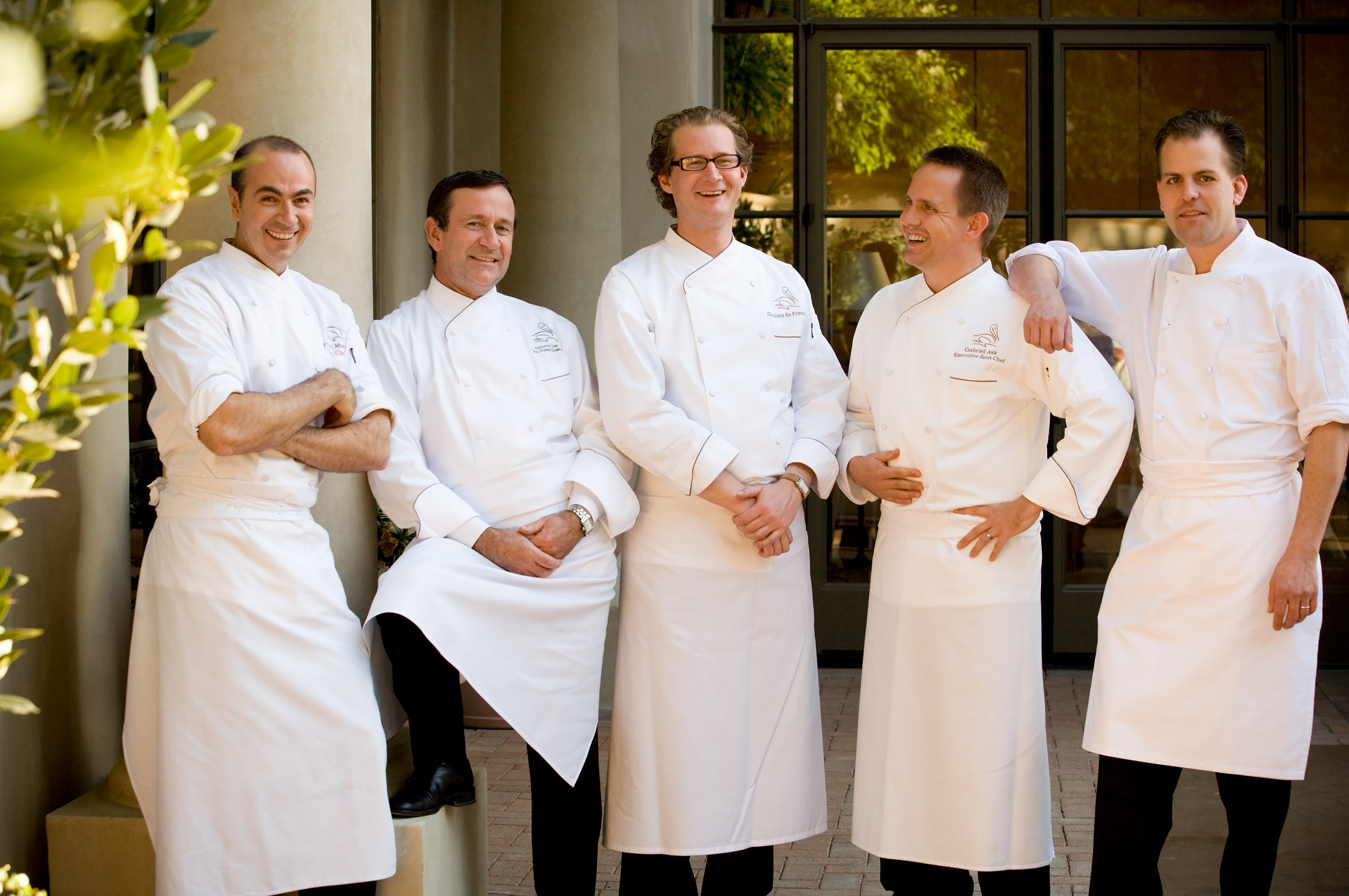Lifestyle-035-culinary-staff-chefs-luxury-resort