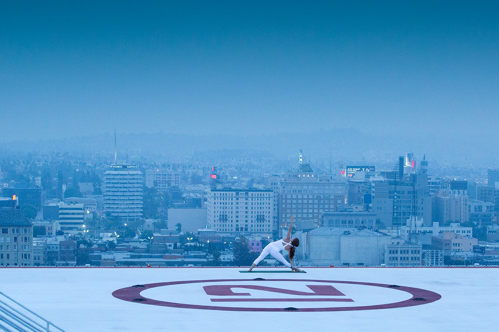 Yoga_on_Los_Angeles_Helipad