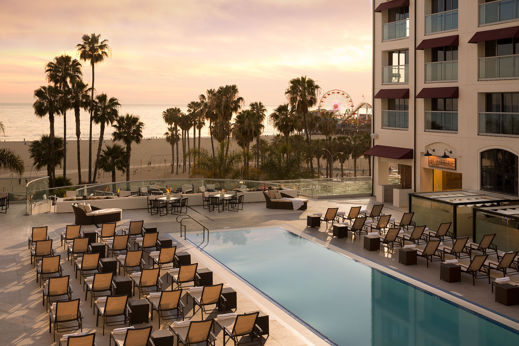 Loews_Santa_Monica_pool