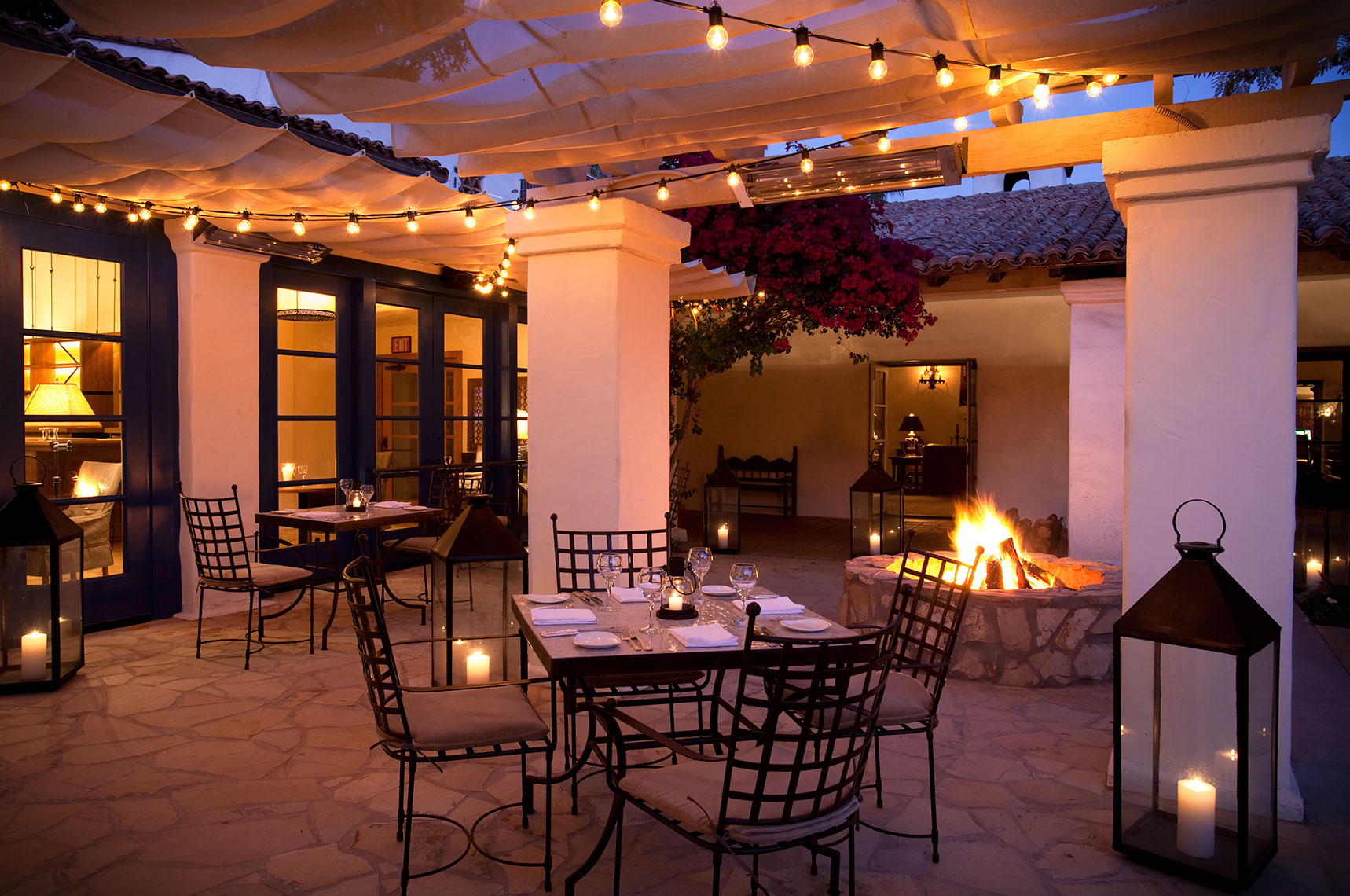 Morgans_patio_dining