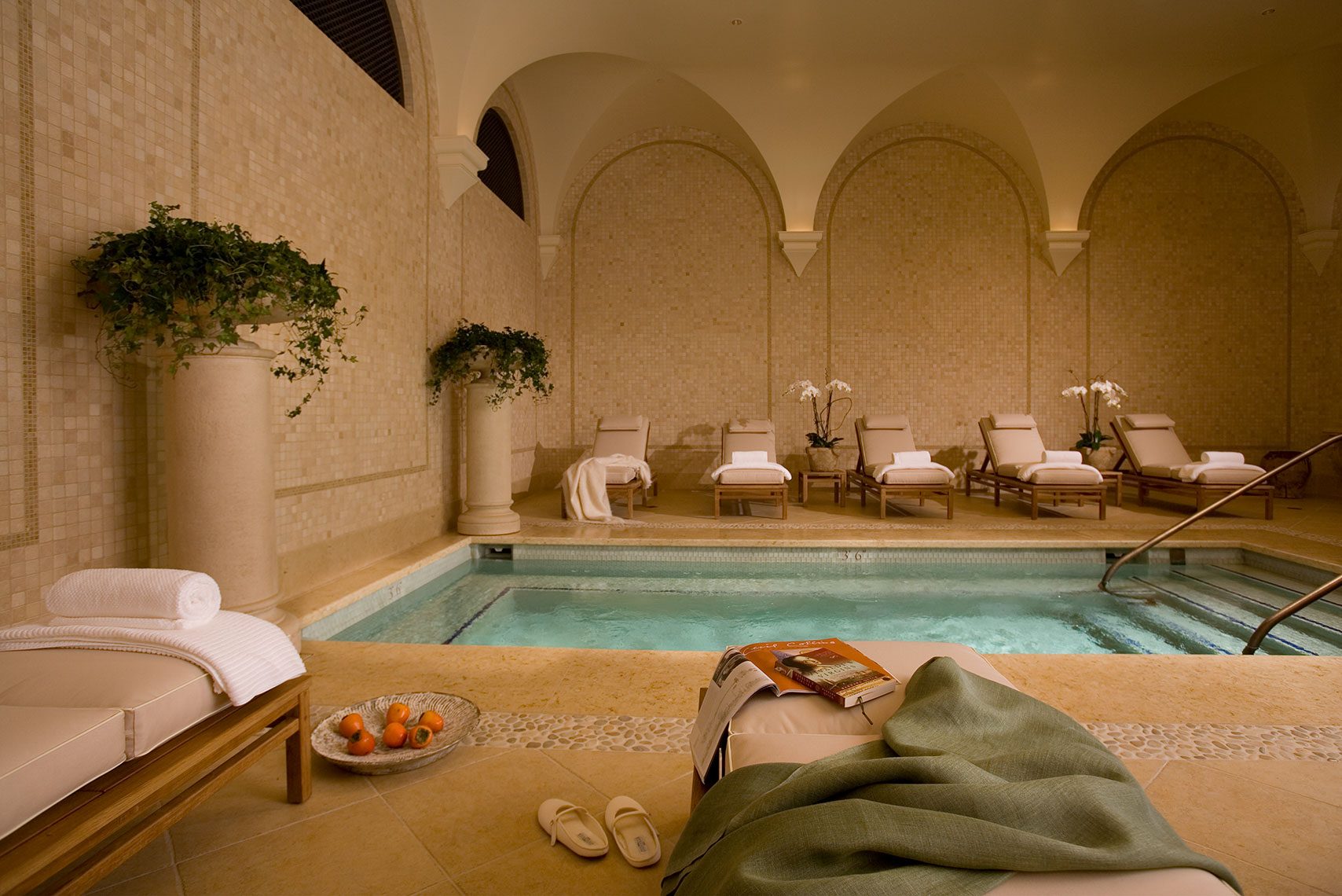 Womans_Colonnade_Pelican_Hill_Spa