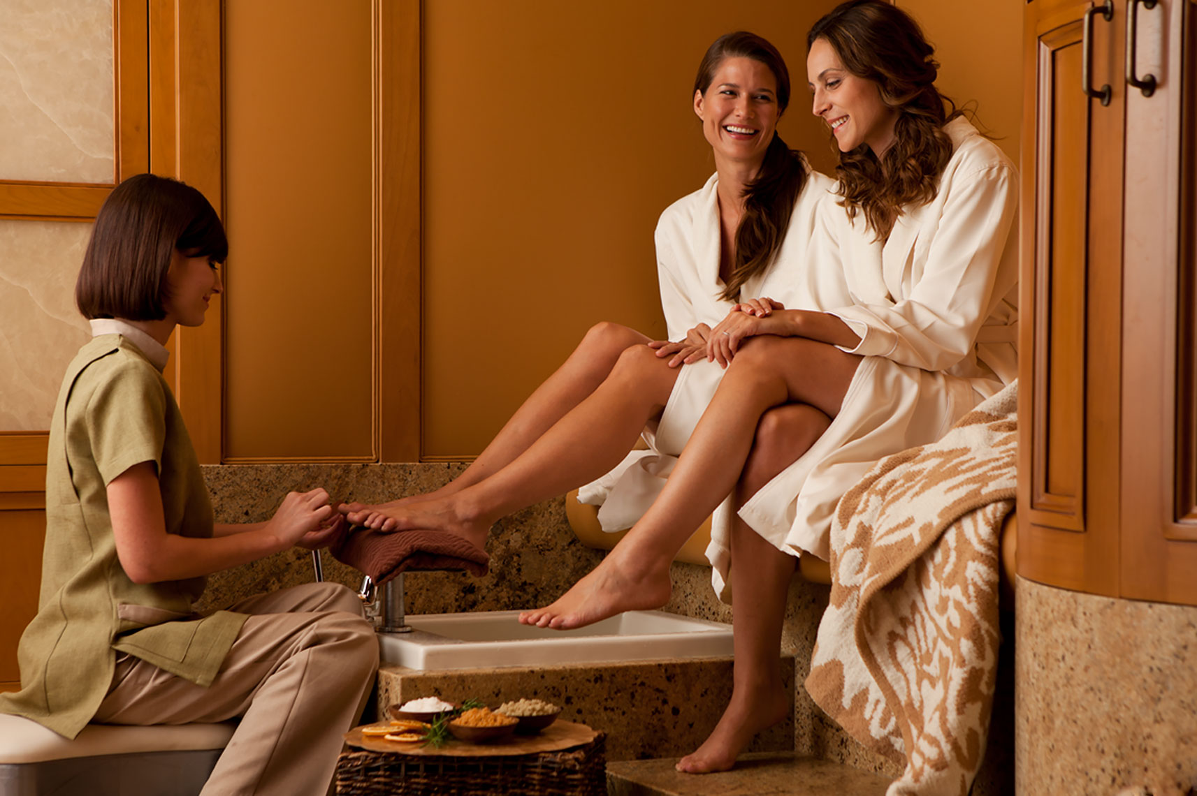 Pelican_Hill_Pedicure_Lifestyle